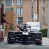 【動画】笑撃!F1マシンで街中のドライブスルーに行くとどうなる? 画像