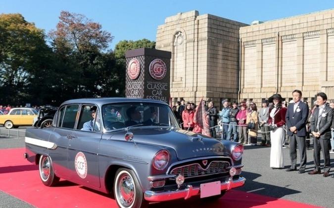 日米欧のクラシックカー100台、神宮外苑に集結…パレードも 11月26日 画像