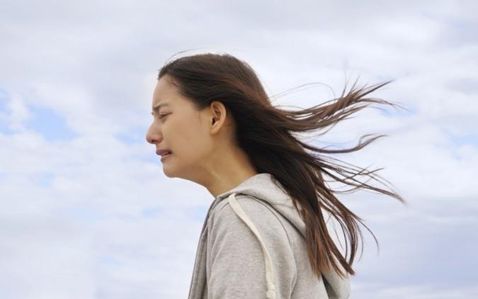 新木優子、涙のワケは…? 『ぼくごは』場面カットが一挙解禁 画像