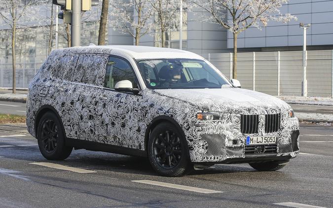 2018 BMW巨大戦艦「X7」、全てがパーフェクトな最高級SUVの誕生へ 画像
