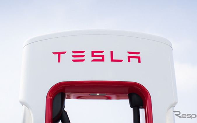 EV車時代へ加速...テスラ急速充電「スーパーチャージャー」改良新型を投入! 画像