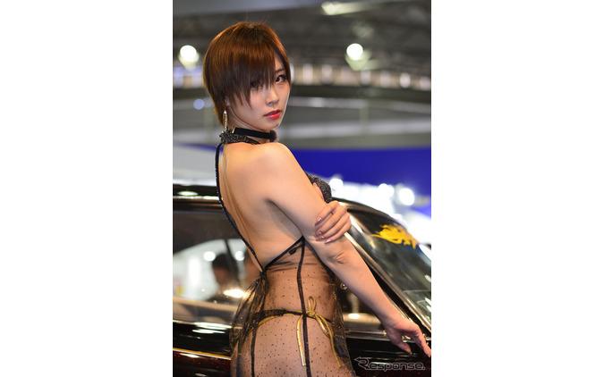 【オートショーを彩るコンパニオン】背中もセクシー...AIWA PART2 画像