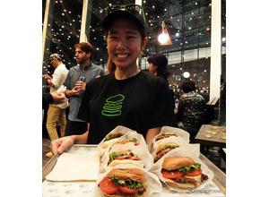 NY発ハンバーガーレストラン「Shake Shack」 東京国際フォーラムに誕生 画像