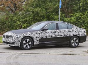 BMW5シリーズ次期型、プラグインハイブリッドはEV航続35kmの高性能! 画像