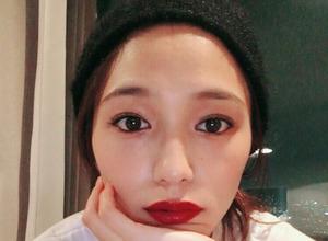 川口春奈、真っ赤な唇…ファン絶賛「大人っぽくて綺麗」 画像