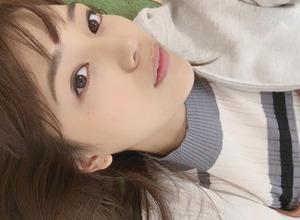 川口春奈のゴロゴロと寝転ぶ姿にファン歓喜 画像