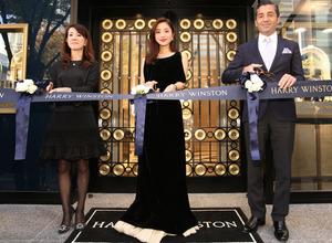 石原さとみ、1億9000万円のジュエリーに「身が引き締まる」…ハリー・ウィンストン名古屋店がリニューアルオープン 画像