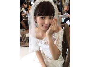 川口春奈が花嫁姿で報告「てっちゃんと結婚式」 画像