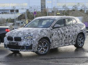 2017年登場...BMW最小クーペSUV「X2」、市販モデルを激写! 画像
