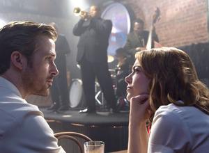 ライアン・ゴズリング&エマ・ストーン、見つめ合い恋と夢に酔う…『ラ・ラ・ランド』場面写真 画像