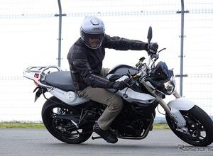 【試乗動画】BMW F800R、並列2気筒の扱いやすさを生かした軽快な走りが魅力…佐川健太郎 画像