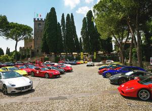 フェラーリ100台、イタリアを占拠…官能的サウンドが響き渡った4日間 画像