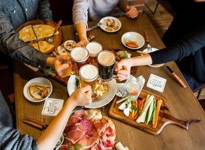 神田の街をイメージした限定メニューも!ドイツドラフトビール専門店「シュマッツ」が神田にオープン 画像