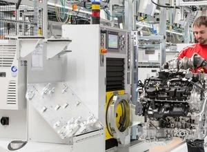 ポルシェ、パナメーラ用V8生産する新エンジン工場が稼働 画像