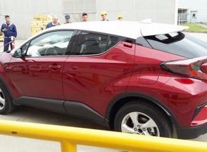 トヨタC-HR、赤×白ツートン量販モデル完全フルヌード画像流出 画像