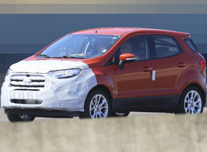 表情確認!フォード エコスポーツ改良新型、ほぼほぼヌード姿を捕獲 画像