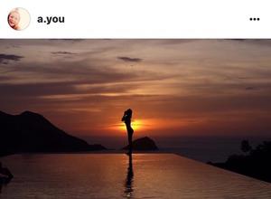 浜崎あゆみ、美ヒップと超くびれ...「女神のシルエット」を公開 画像