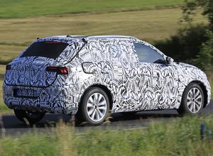 VW新型コンパクトSUV、『T-クロス』が姿見せた! 画像