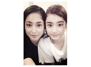 平祐奈、姉・愛梨との顔交換写真を公開「一緒にいると似ていくのかな」 画像
