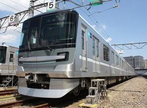 東京メトロ、日比谷線の新型車両「13000系」公開…7両4ドアに統一へ 画像