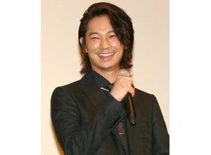 綾野剛、主演作『日本で一番悪い奴ら』で舞台挨拶「朝から不謹慎な映画…」 画像