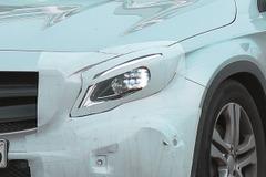 メルセデスGLA初の大幅改良型、これが新マトリクスLEDヘッドライトだ!