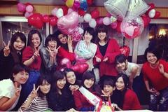 波瑠、佐藤ありさのお祝いパーティー…桐谷美鈴・武井咲・大政絢も集合