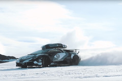 【動画】雪上のドリフトキング、J.オルソンがランボルギーニでスキー場を爆走!