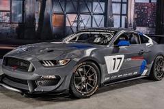 フォード新たなるレーサー、強面の「マスタング GT4」登場!