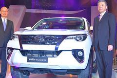トヨタハイラックスSUV版、「フォーチュナー」新型をインドで発売