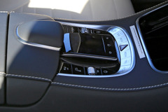 メルセデス AMG S63改良型、これが最新世代COMANDシステムだ!