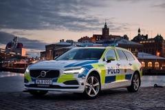 スウェーデン警察、ポリスカーにボルボV90新型を採用!