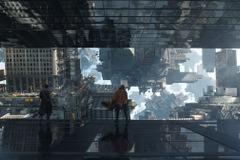 「ドクター・ストレンジ」180度反転する特別映像を公開 字幕まで正反対に