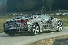 ついに市販化だ!BMW i8ロードスター量産モデル、これが初生ショット!