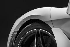 走った!マクラーレン650S後継モデル、躍動するテストドライブ初披露【動画】
