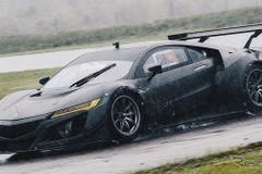ホンダ NSX GT3、フルカーボンボディで開発テスト