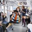 渡辺直美、ラッピング電車でハロウィンパフォーマンスを披露
