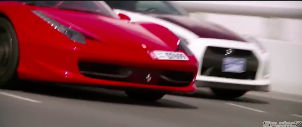 【動画】日産GT-Rポリス vs フェラーリ458 in ドバイ!緊迫のラストシーンへ