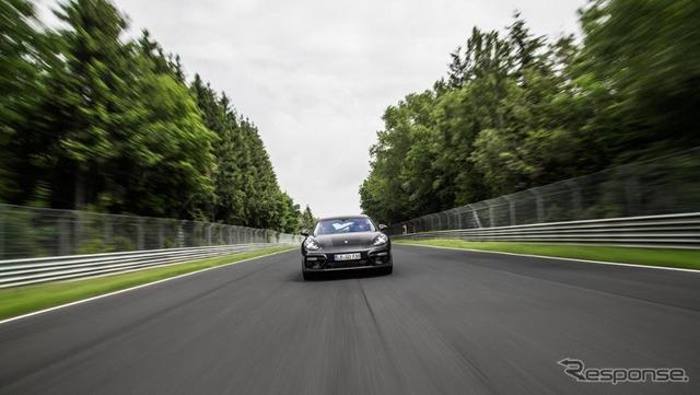 ポルシェ パナメーラ 新型、ニュルで7分38秒…高級セダン最速