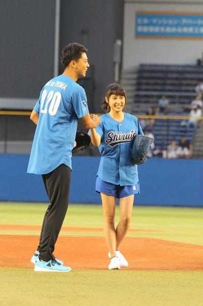 土屋太鳳&竹内涼真/『青空エール』始球式