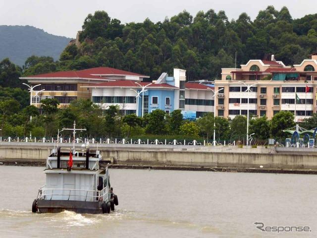 マカオから中国へは、一般的に公共交通機関を使う