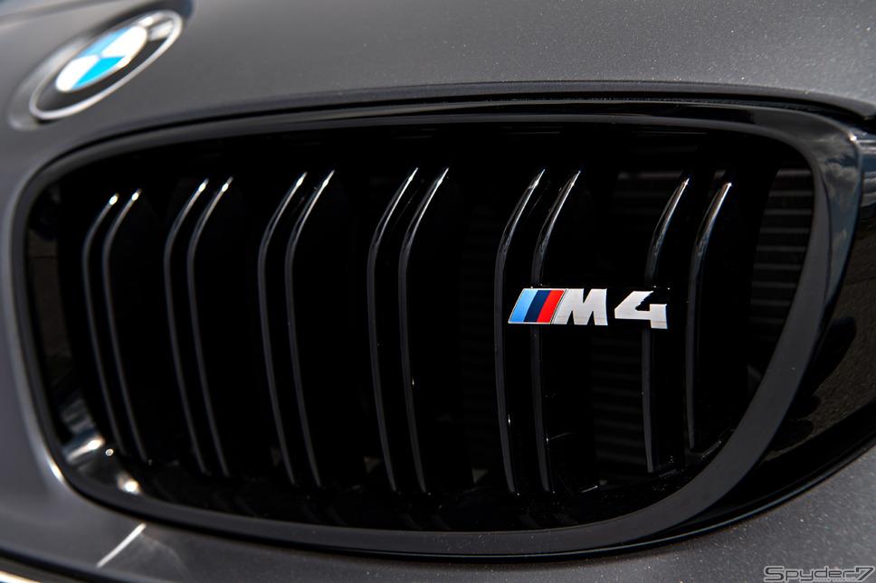 「M4 GTS」(2016)「F82」をベースにした5代目。排気量をダウンサイジング、M3の原点とも言える「ストレート6」への回帰「M4」の車名など、新たな次世代M3・M4の誕生だ。3リットル直列6気筒Mツインパワー ターボ最高馬力 431ps