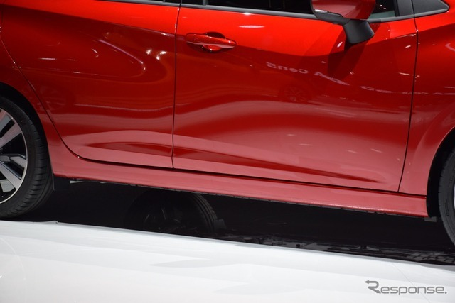 日産 マイクラ 新型(日本名マーチ)パリモーターショー16