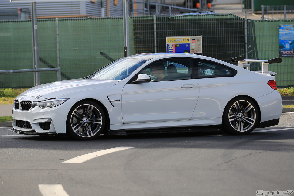 BMW M4 GT4スクープ写真