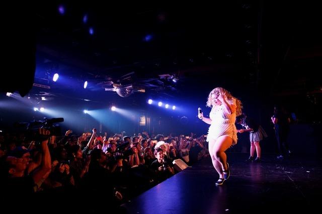 「Naomi Watanabe WORLD TOUR」(C)KEIICHI NITTA STUDIO