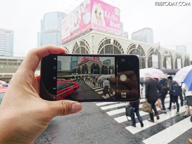 本体が防水対応になって、雨の日の撮影も安心。新しいiPhone 7 Plusをレビューする