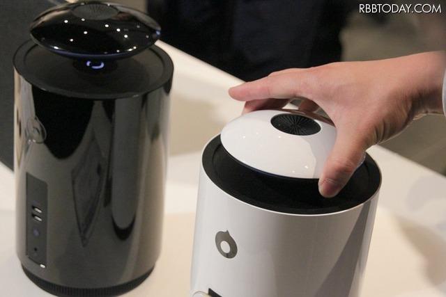 Bluetoothスピーカーが磁力によって空中に浮きながら音を出す。浮くことで、360度の全方向に音を拡散できるのが特徴だ