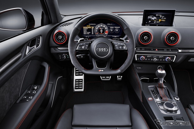 アウディ RS3 セダン