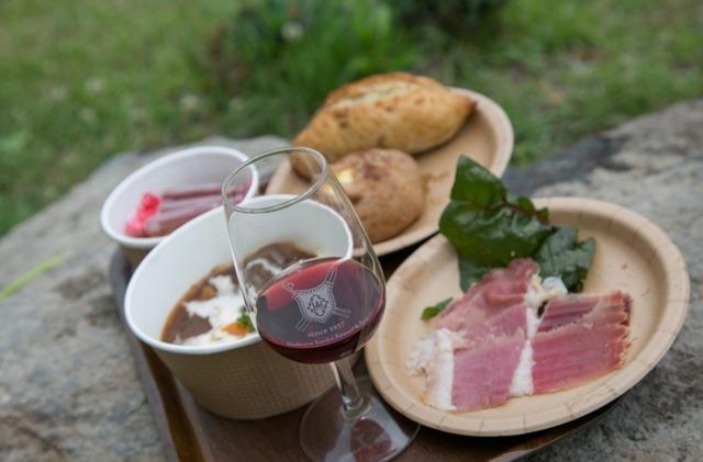 「妙高ワインフェスティバル」フードとワインのイメージ