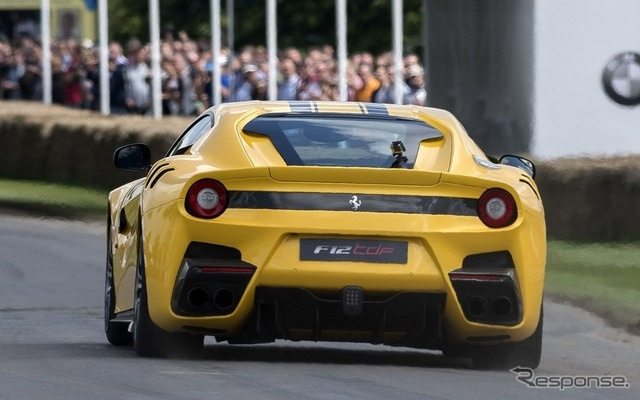 フェラーリ F12 tdf